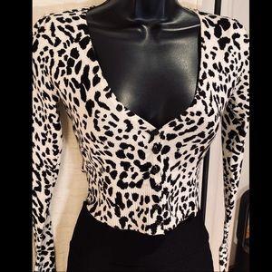 Forever 21 black white animal print sweater top